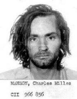 Charles-Manson_booking-photo_(1971