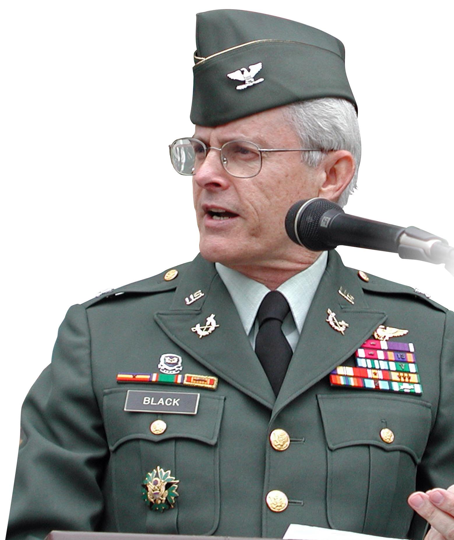Oberst Richard Black